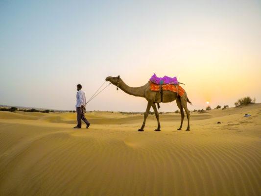 沙漠住一晚
